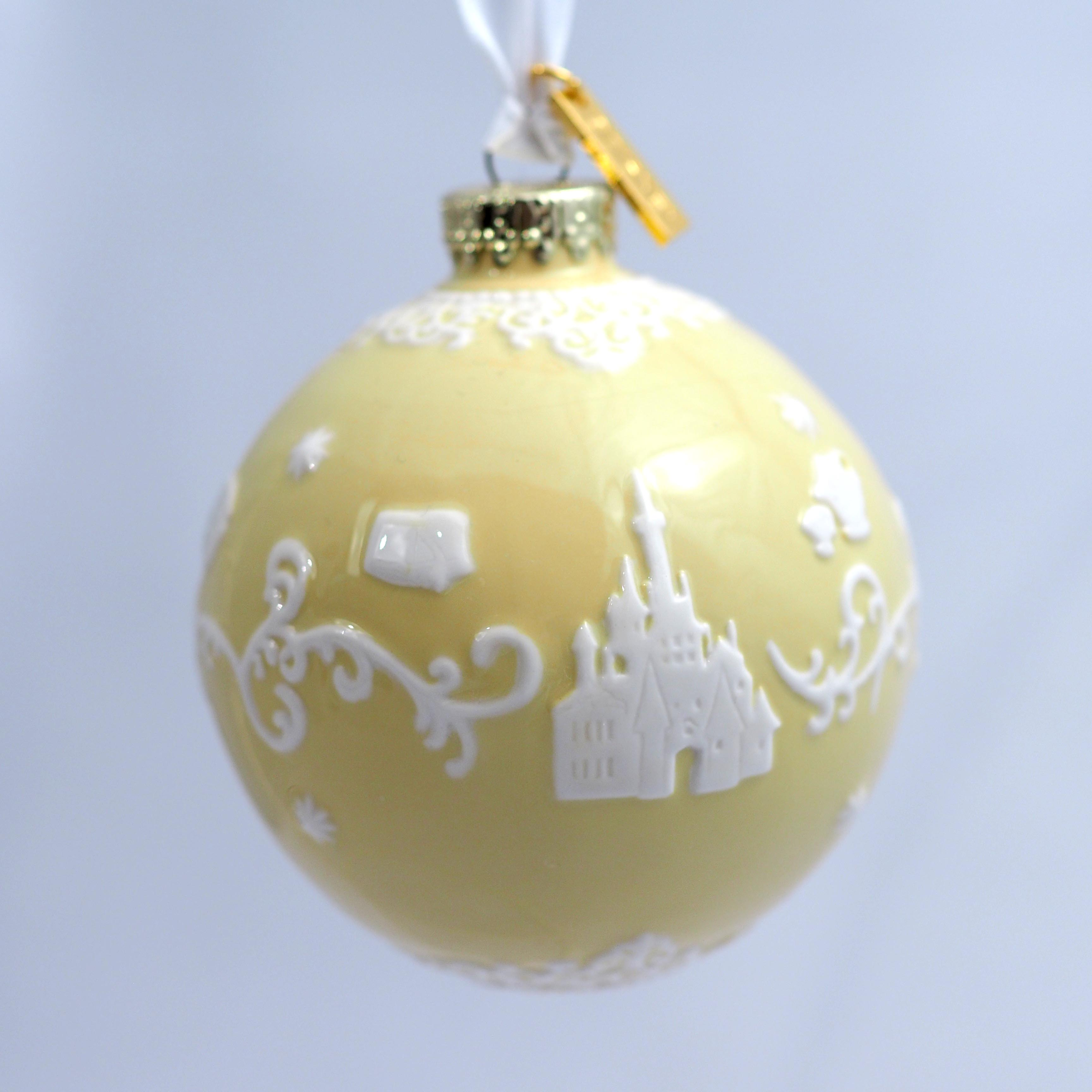 ELDPXO13702 Belle White Ornament